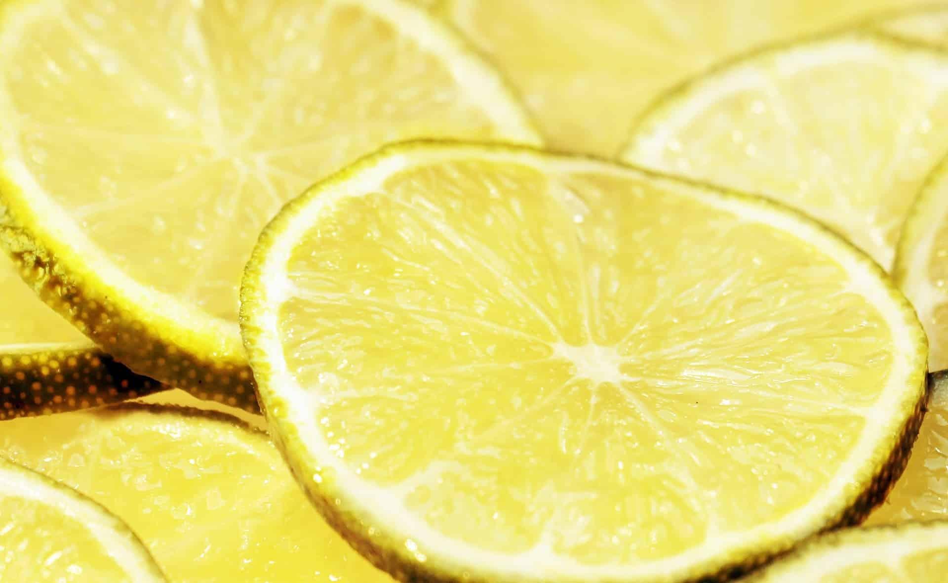 limpiar grifos limon