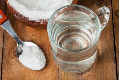 limpiar los grifos con agua salina