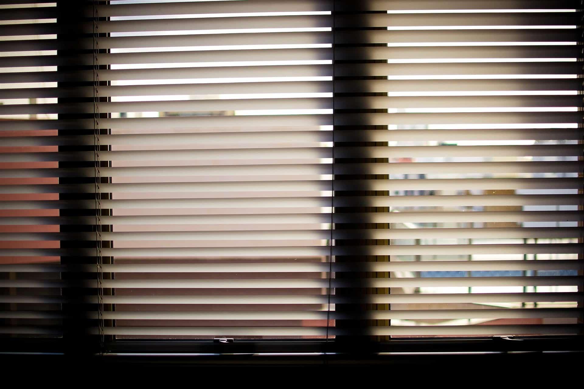 consejos para limpiar las persianas
