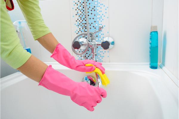 Evita estos 7 errores comunes al limpiar con lejía 0